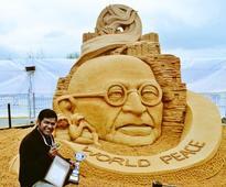 Sudarsan's sand art world peace wins award in Russia