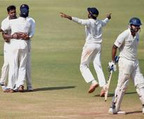 Karnataka knockout Mumbai to enter Ranji Trophy semis