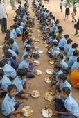 Midday meal workers oppose Sait's proposal of centralised kitchens