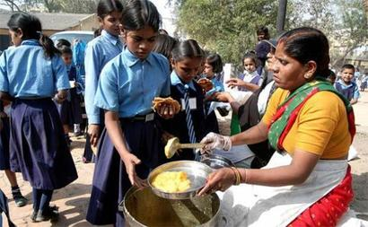 Should Aadhaar card be linked with midday meal?