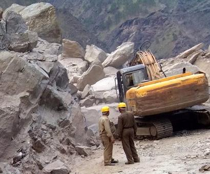 U'khand: Hundreds feared stranded after landslide near Badrinath route