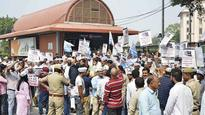 AAP takes Metro fare hike protest to next level