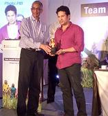 Sachin Tendulkar interacts with Swachh Bharat Champion Collectors