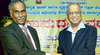 Narayana Murthy to jail officials: Help prisoners join mainstream
