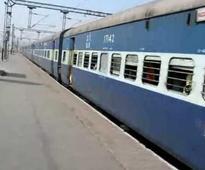 Delhi-Faizabad Express derails in UP, 10 injured