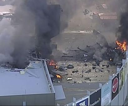 5 dead after plane crashes into shopping mall in Melbourne