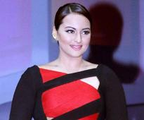 Sonakshi Sinha says 'Namaste England': Confirms signing the film opposite Akshay Kumar