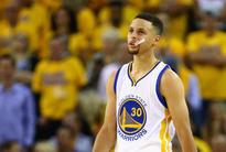 Steph Curry mouth guard going up for auction