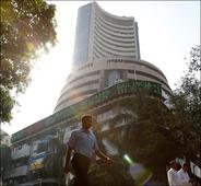 Sensex rises for 2nd day as FM's comment boosts lenders