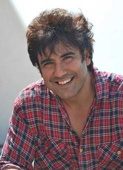 Karan Oberoi`s twitter account hacked