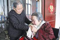 Model citizen: 94-year-old takes care of daughter-in-law