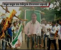 Students Congress activists demand arrest of two ministers; scuffle with police