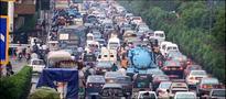 Gridlock management: Heavy traffic banned at Shahrah-e-Faisal