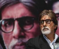 Big B celebrates 9 yrs of `Jhoom Barabar Jhoom'