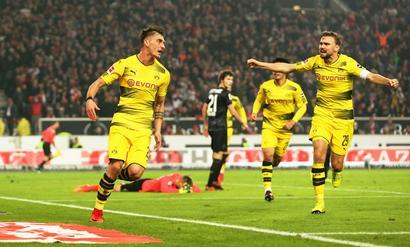 Football Briefs: Dortmund sink deeper into crisis with loss at Stuttgart