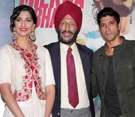 Milkha Singh blesses Sonam, Farhan at Bhaag Milkha Bhaag trailer launch
