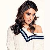 Glam girl with intelligence, Isa Guha looks the part