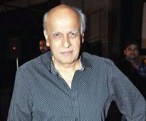 Death threat for Mahesh Bhatt, his wife Soni Razdan and daughter Alia; caller asks for Rs 50 lakh