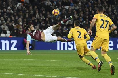 Conte picks Carroll as West Ham's danger man