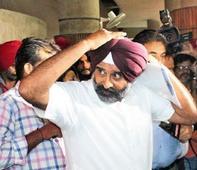 Pargat Singh quits SAD, Navjot Singh Sindhu mum