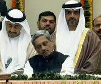 Manohar Parrikar trolled for taking 'power-nap' during Republic Day parade