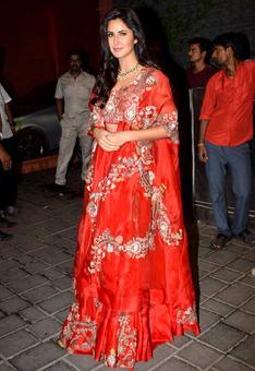 PIX: Katrina, Shah Rukh party with Salman