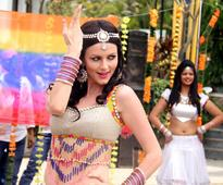 PIX: Yana Gupta, Tena Desae, Neil shoot Holi item song