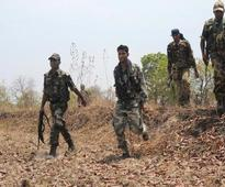 Maoists set fire to road construction machines in Chhattisgarh