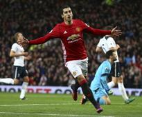 Premier League roundup: Manchester United overcome Spurs, Liverpool held by West Ham