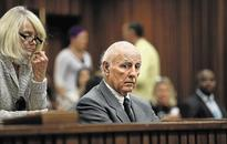 Bob Hewitt expelled from International Tennis Hall of Fame
