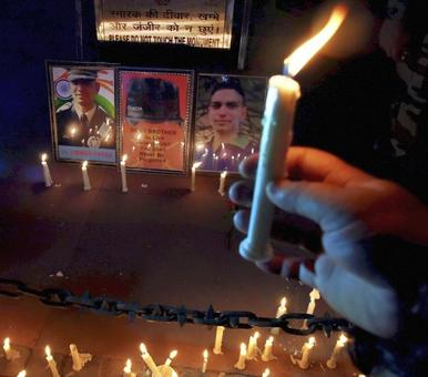 At India Gate, candle burns brightly for slain Umar Fayaz