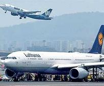 Mumbai runway shut for 15 hrs, flights ... Mumbai runway shut for 15 hrs, flights hit