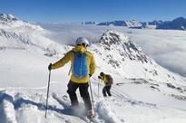 Nepalese guides train on Swiss ski slopes