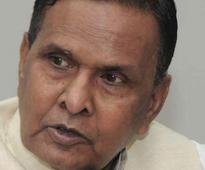 Cong asks Beni to hold fire on Mulayam