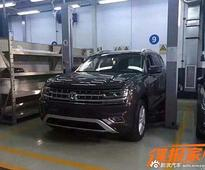 Spy Pics: Volkswagen's Upcoming 7-Seat SUV Spotted Undisguised — This Or The Touareg?
