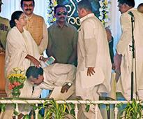 Mamata sworn in Bengal CM for 2nd term