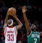 Rockets' Corey Brewer's versatility earns him the start in Beverley's absence