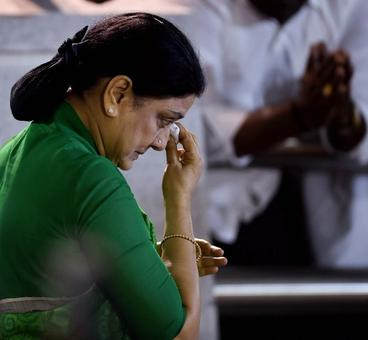 In Bengaluru prison, Sasikala has 'Cyanide Mallika' as her next door inmate