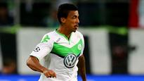 Wolfsburg's Luiz Gustavo has not heard from Nice and could stay at club