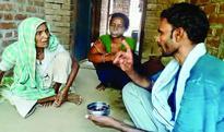 Cinema on cycle: Man documents penury in Chambal