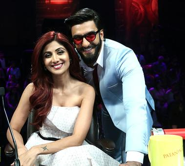 PIX: Ranveer's fun show time with Shilpa Shetty