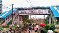 Harbour line commuters a harried lot: Report