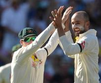 Cricket-Australia win second test in Melbourne, seal series 2-0