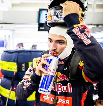 Sports Shorts: Sainz given three-place grid penalty for Russian GP