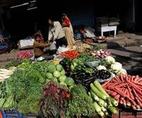 November inflation expected to hit 14-month low at 3.9% as demonetisation hits consumption, says poll