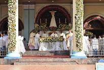 Shrine in Sri Lanka's former war zone celebrates feast