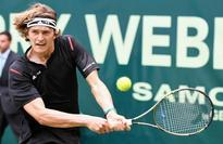 Rising teen star Zverev beats Federer