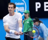 Locker-room edge helps Murray beat Groth