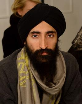 US-based Sikh actor gets apology after barred from boarding flight