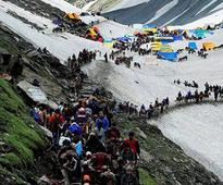 Amarnath Yatra resumes, another batch of yatris reaches Valley